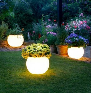 10 Gambar Lampu Hias Taman Indah 5