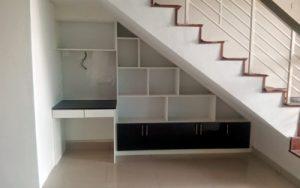 11 Fungsi Dibawah Tangga Rumah Unik dan Simple5