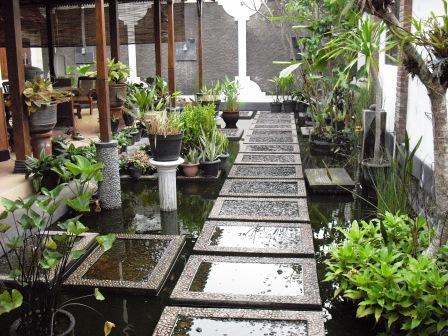 16 model kolam buatan untuk taman indah | rumah impian
