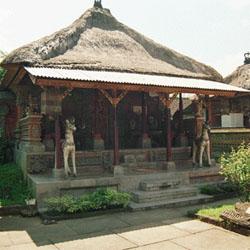 11 Desain Rumah Adat Bali Minimalis10