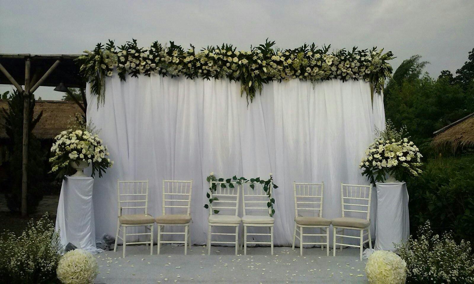 13 dekorasi pernikahan outdoor minimalis murah rumah impian for Dekorasi rumah minimalis