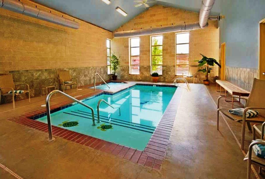 22 desain kolam renang dalam rumah nyaman rumah impian