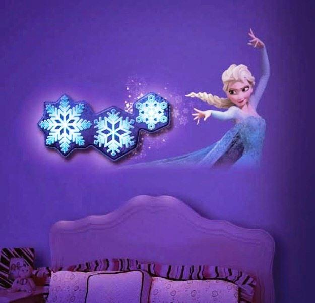 22 Desain Kamar Tidur Anak Perempuan Frozen Hello Kitty