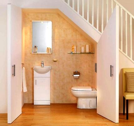 50 model kamar mandi bawah tangga minimalis modern