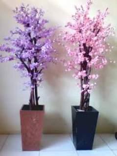 Itulah Cara Menyimpan Hiasan Bunga Di Ruang Tamu Yang Bisa Anda Jadikan Refensi Perhatikan Posisi Dan Vas Gunakan Paling